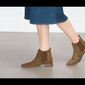 Zara Suede Chelsea Boots in Tan